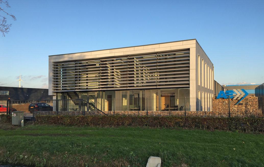 Kantoor en bedrijfshal AE-group, Waalwijk